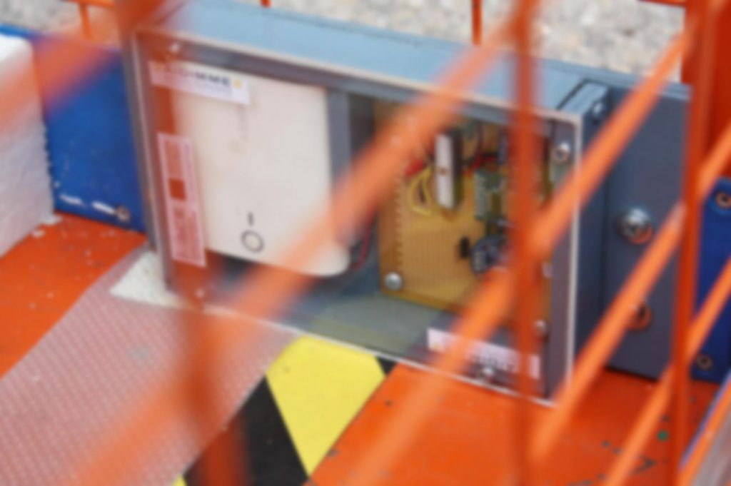 Dispositivo de registro de datos de transporte desarrollado por AIDIMME, instalado en una unidad de carga