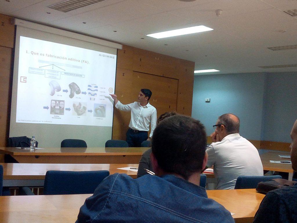 Jose Ramón Blasco, responsable de Nuevos Procesos de Fabricación de AIDIMME, durante su presentación en el Taller de productividad
