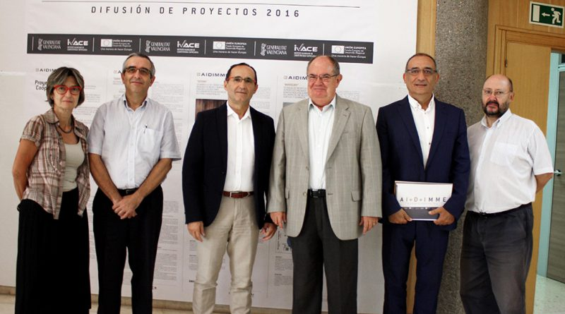 El diputado de Proyectos Europeos, Bartolomé Nofuentes, y el director de AIDIMME, Mariano Pérez, 3º y 4º por la izda., respectivamente, junto a responsables del Instituto Tecnológico.