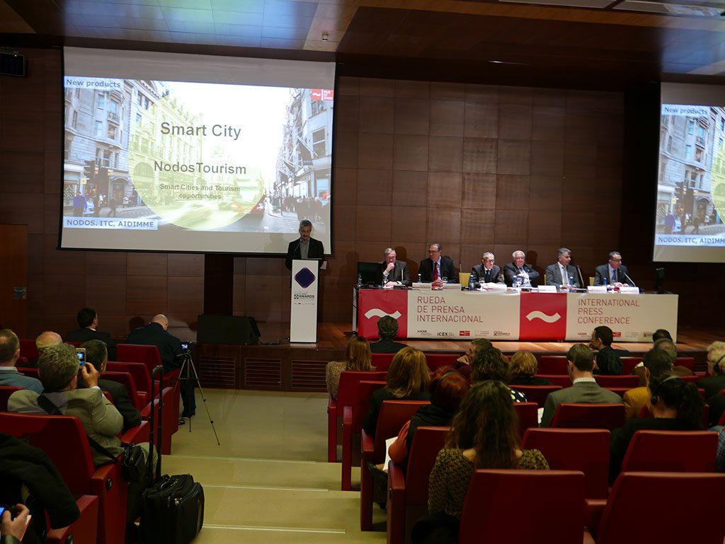 Difusión del proyecto y de sus resultados en la rueda de prensa internacional del sector cerámico en CEVISAMA 2017.