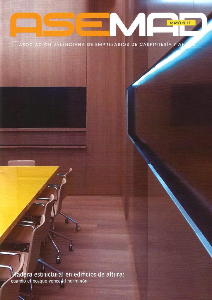 """La portada de la nueva edición de la revista """"ASEMAD"""" destaca el valor de la madera constructiva frente al hormigón."""
