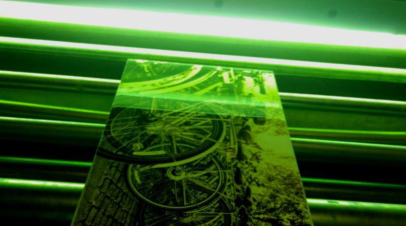 Curado UV de los recubrimientos finales desarrollados.