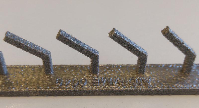Artefacto fabricado en Titanio procesado por Electron Beam Melting (EBM).