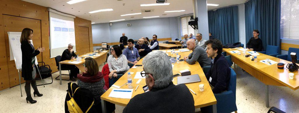 Los líderes de los proyectos presentaron la iniciativa exponiendo su estructura, que incluye costes y fuente de ingresos.
