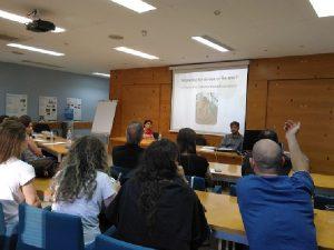 Debate sobre políticas de economía social y aspectos legales de la reutilización.
