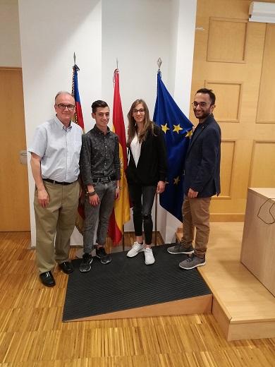Alumnos del Fondazione Istituto Tecnico Superiore per lo Sviluppo del Sistema Casa Nel Made in Italy Rosario Messina visitando el centro integrado de Catarroja.