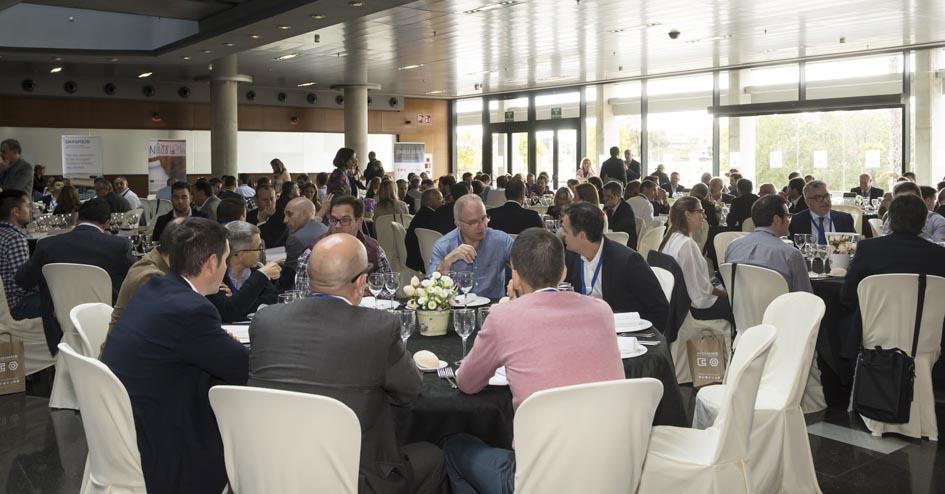 Más de 250 congresistas debatieron sobre el sector del hábitat, en un encuentro donde el almuerzo permitió cambiar impresiones de manera más distendida.