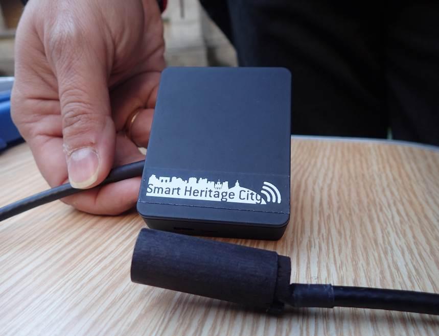 Sensor para detectar insectos y hongos xilófagos en la madera y monitorizar su humedad.